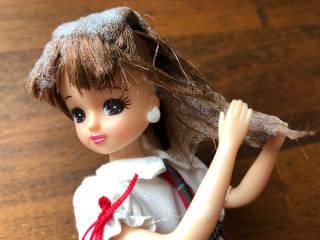 HANAオーガニックリセットシャンプーで髪を洗う