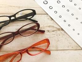 視力検査とメガネ